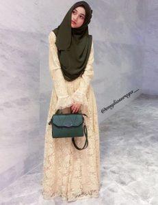 emylia_suraya_beauty_muslimah_talent_modal_produk_makeup_wanita_cantik