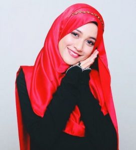 emyliasuraya_cun_beauty_muslimah_talent_modal_produk_makeup_wanita_pengantin