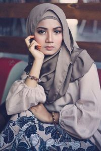 shelamiey_beauty_muslimah_talent_modal_produk_makeup_pengantin