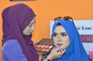 ikin_ikirdz_makeup_artist_cantik_mekap_solekan_wanita_gadis_kelas_kursus_belajar_make_up_ikirdz